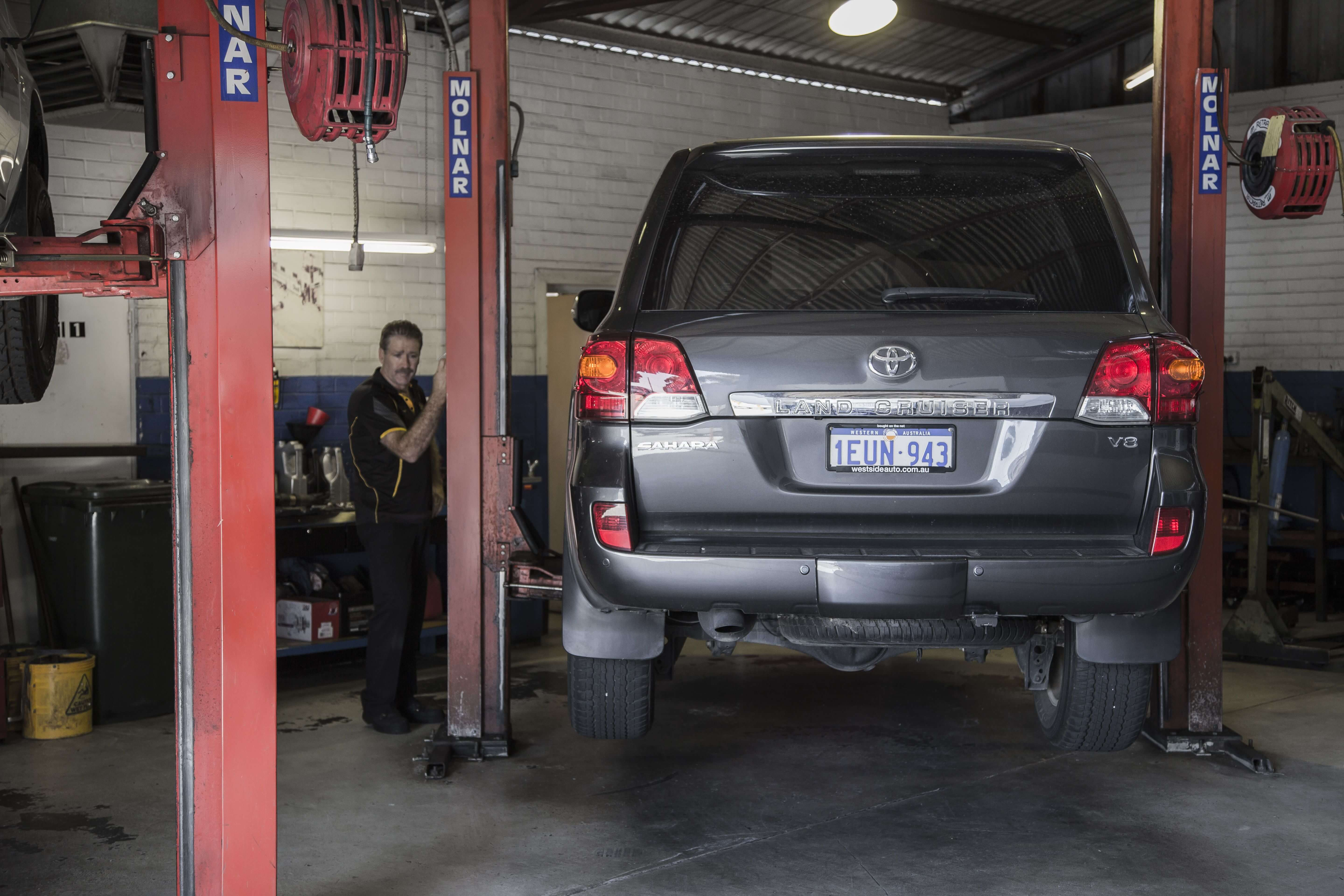 SERVICING OF ALL TOYOTA VEHICLES